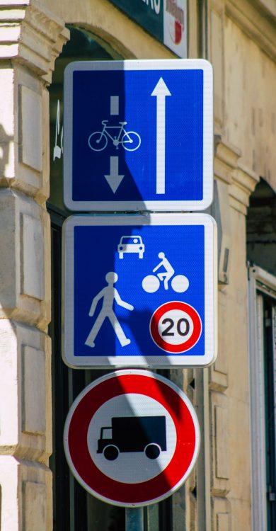 Panneau espace partagé centre ville de Reins